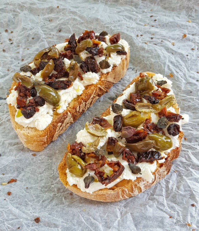 bruschetta-olive-e-capperi
