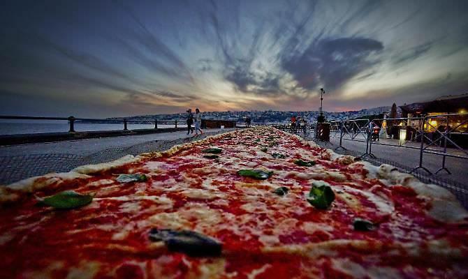 Immagine tratta dalla pagina Fb di Napoli Pizza village